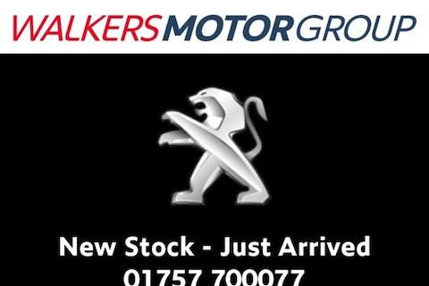 Grey Vauxhall Adam S S/S 2015