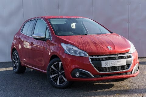 Red Peugeot 208 S/S Tech Edition 2018