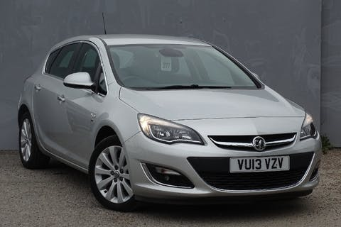 Silver Vauxhall Astra SE 2013