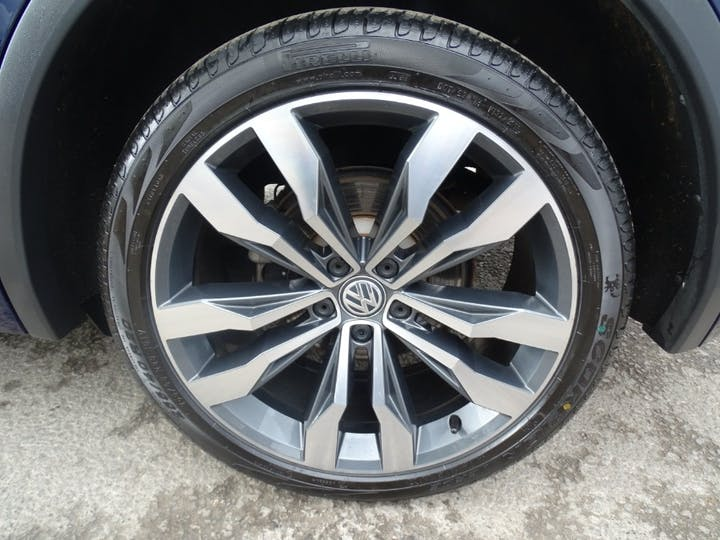 Blue Volkswagen Tiguan R Line TDI Bmt 4motion DSG 2017