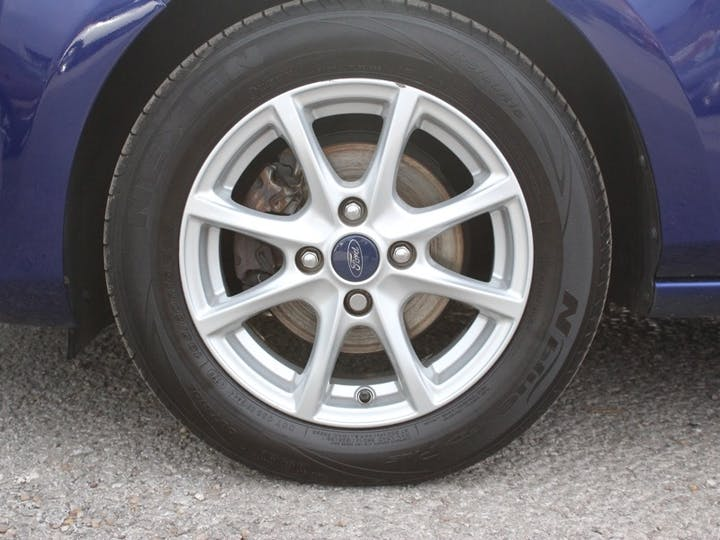 Blue Ford Fiesta Zetec 2018