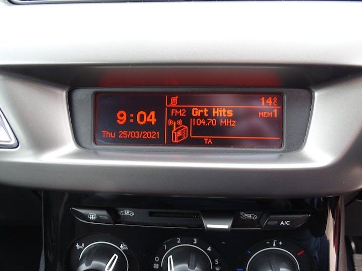 Red Citroen C3 Puretech Edition 2016