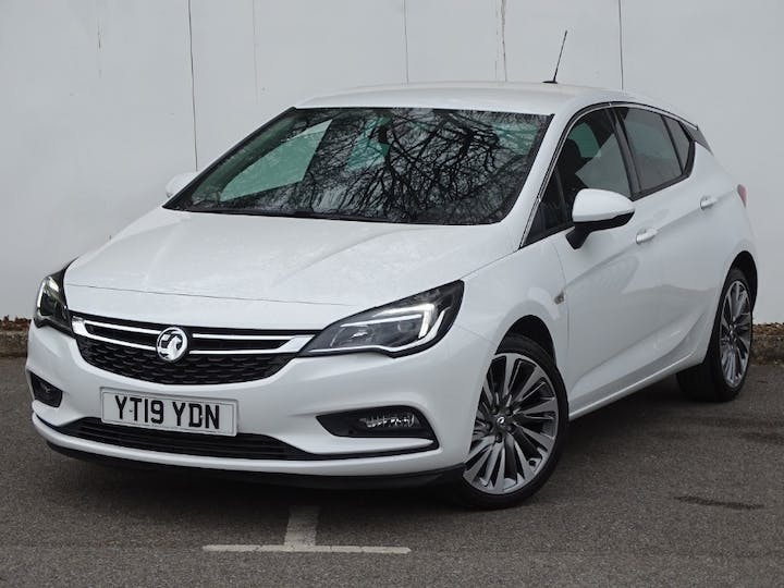 White Vauxhall Astra Griffin 2019