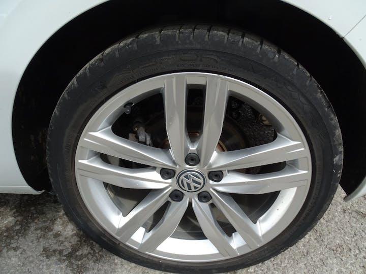 White Volkswagen Golf GT Edition TSI Act Bmt 2016