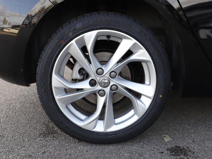 Black Vauxhall Astra SRi S/S 2019