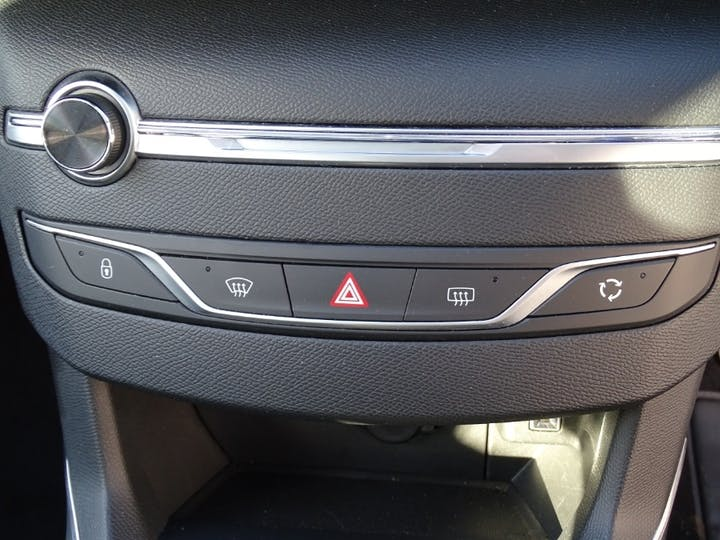 Grey Peugeot 308 S/S Allure 2018