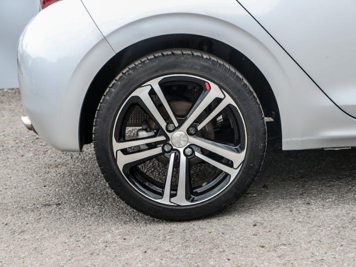 Silver Peugeot 208 Puretech S/S GT Line 2017
