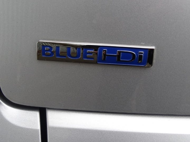 Silver Peugeot 3008 Blue HDi S/S Allure 2016