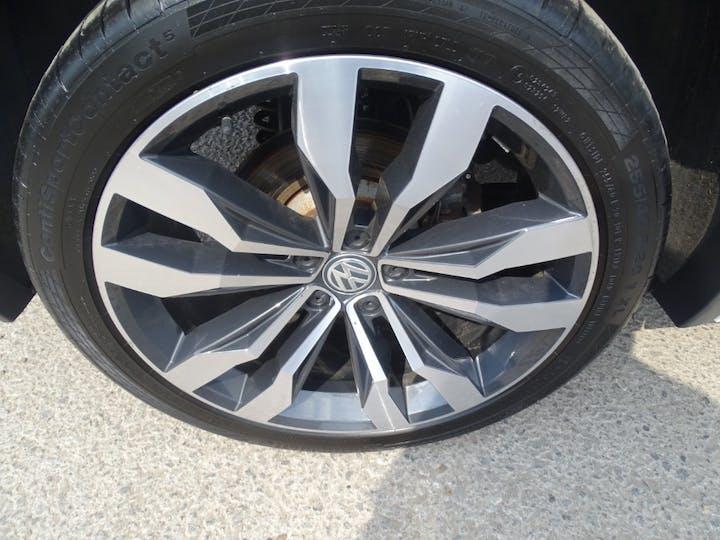 White Volkswagen Tiguan R-line TDI Bmt 4motion 2017