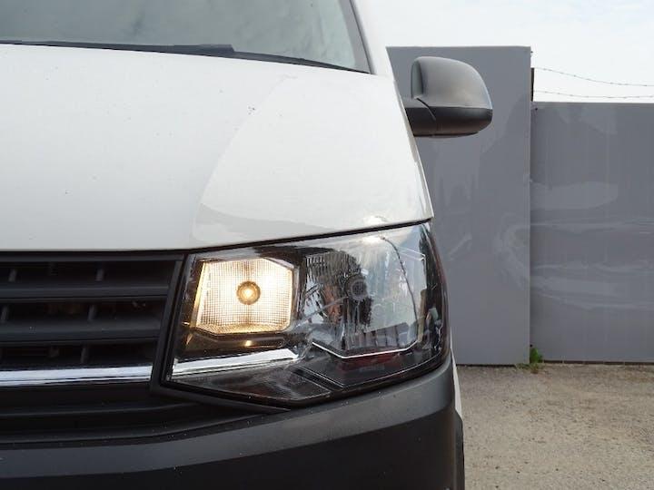 White Volkswagen Transporter T28 TDI P/v Startline Bmt 2019