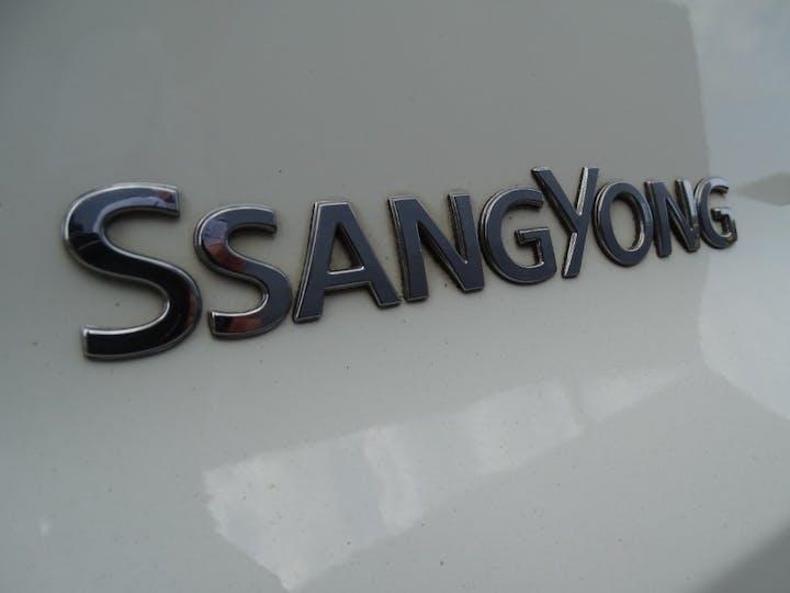 White Ssangyong Tivoli ELX 2016