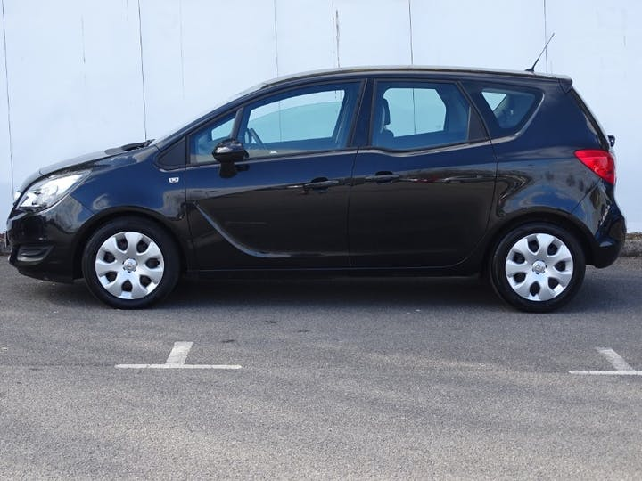 Black Vauxhall Meriva Exclusiv Ac 2014