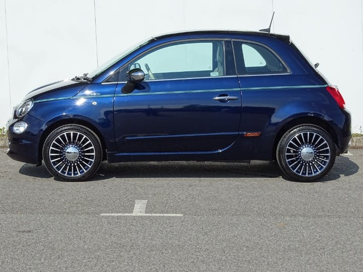 Blue FIAT 500 Riva 2017