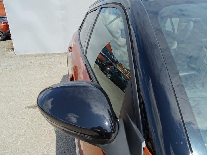 Orange Peugeot 2008 Puretech S/S GT 2020